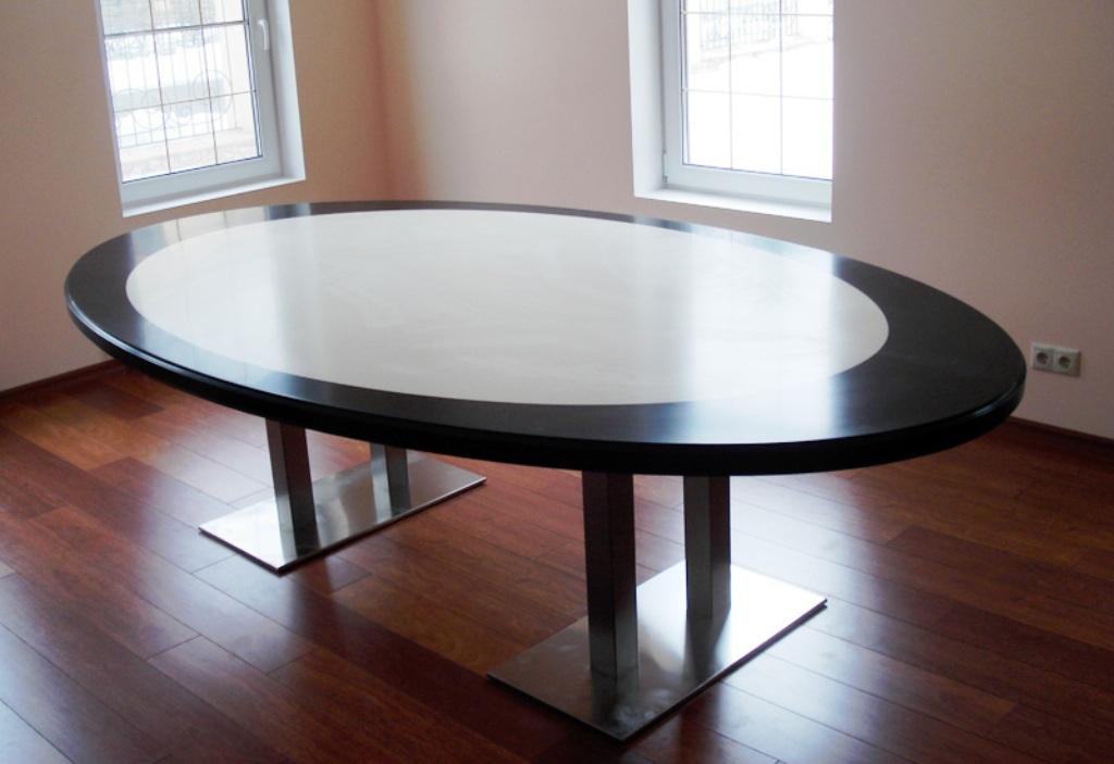 Кухонные столы со столешницей из искусственного камня